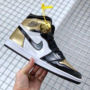 Air Jordan Retro 1 Black Gold Toe
